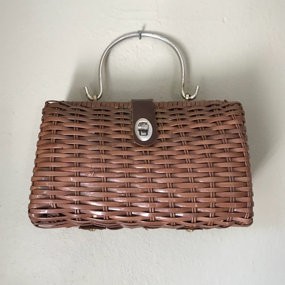 Vintage Handbags - 🎉HP Beautiful Vintage Woven Bag